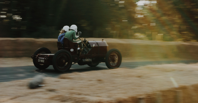 Vintage Racing Car by By Severin Demchuk on Unsplash